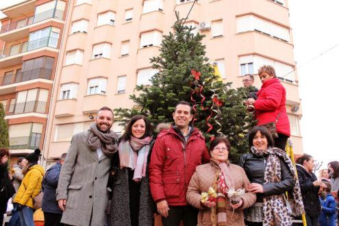 AMAR decoró el árbol de Navidad de la Miliaria