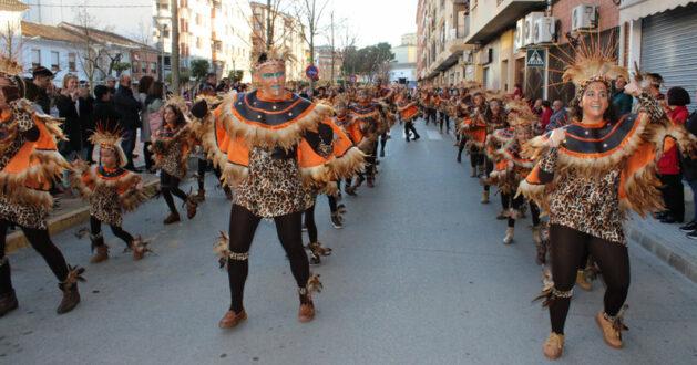 Fantasía, ingenio, humor y colorido en la apertura del Carnaval rodense