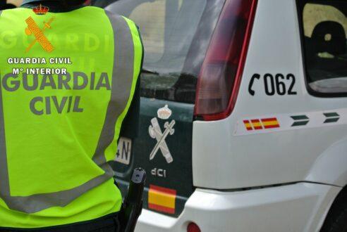 La Guardia Civil detiene a dos personas por adquirir medicamentos con recetas falsificadas