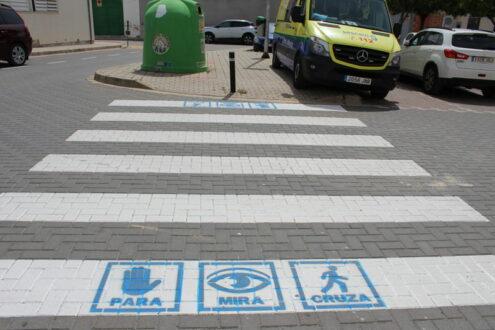 La Roda estrena una iniciativa de accesibilidad en los pasos de peatones