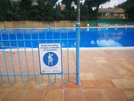 La Roda estrena una piscina de verano más accesible