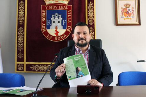 Juan Ramón Amores presenta el primer curso de la UNED que acogerá La Roda