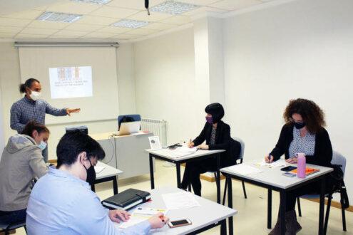 La Roda acoge un taller de redes sociales y la exposición 'Defensoras: Mujeres que transforman'
