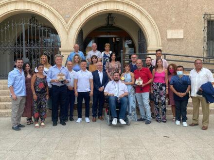 Juan Ramón Amores recibe en el Ayuntamiento de La Roda a la medallista olímpica Sandra Sánchez
